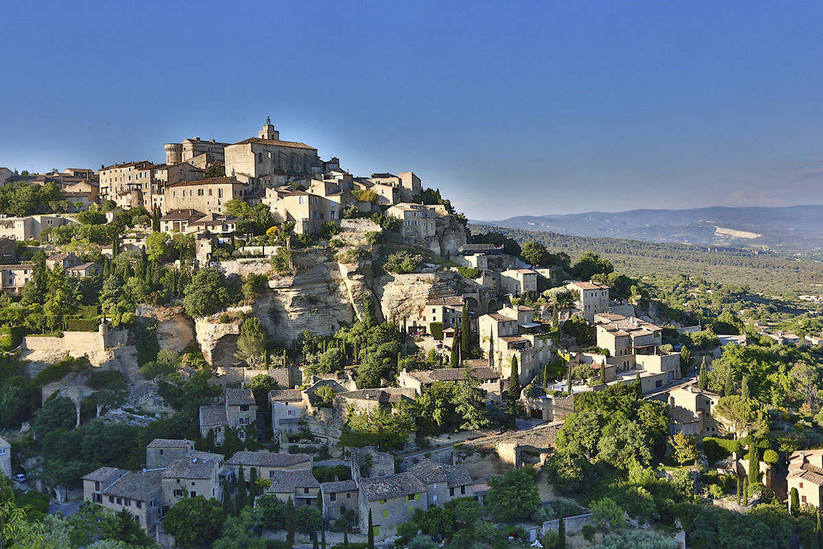 GORDES Between sky and stones…