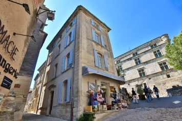 The blue Bastide, with ciel on the last floor
