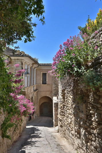 Get lost in Gordes