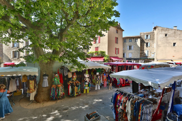 Market day in Gordes