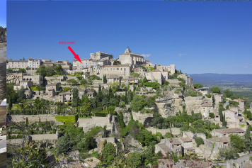 View of the flat in the village of Gordes