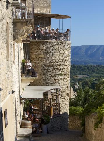 The entrance nearby the restaurant La trinquette